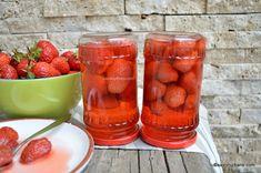 Compot de căpșuni natural, fără conservanți - rețeta veche. Cum se face compotul de căpșune? Cât zahăr se pune la compot și cât timp se fierb Strawberry, Canning, Food, Romanian Food, Syrup, Essen, Strawberry Fruit, Meals, Home Canning