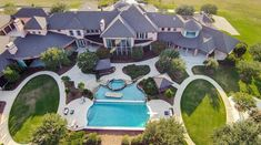 31 Mansions of NFL Players. You Won't Believe Peyton Manning's!