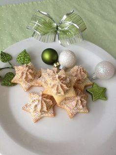 Vánoční hvězdičky Christmas Sweets, Christmas Baking, Czech Recipes, Holiday Cookies, Pavlova, Diy And Crafts, Pudding, Food, Anna
