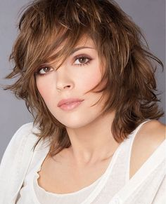lisa rinna haircut | Best Hairstyles for Diamond Face Shapes