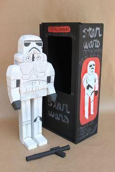 Amanda Visell Makes Adorable Wooden Star Wars Action Figures Antique Toys, Vintage Toys, Star Wars Room, Wood Stars, Star Wars Action Figures, Vinyl Toys, Designer Toys, Bottle Design, Packaging