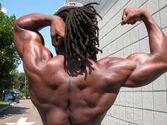strong shoulders, backs, abs, slim waist = v shape torso