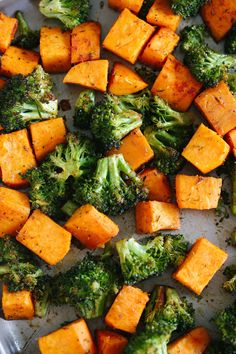 These Perfectly Roasted Broccoli and Sweet Potatoes make a delicious healthy side dish and are seasoned to perfection! || healthy food | clean eating | nutrition || #healthyfood #cleaneating #nutrition || www.preciseportions.com