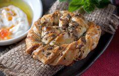 אינס שילת ינאי מגישה מאפה גבינות מרשים אבל קל להכנה, עם בצק פריך וטונות של סטייל