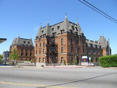 This is Stadium High School. My sons went here. It just had it's 100 year refurbish. It was originally built to be a hotel in the early It is gorgeous inside & out. Tacoma Washington, Washington State, My High School, I School, Victorian Houses, Amazing Architecture, School Design, Seattle, Sons