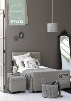 Babykamer on Pinterest  Nurseries, Girl Nurseries and Vans