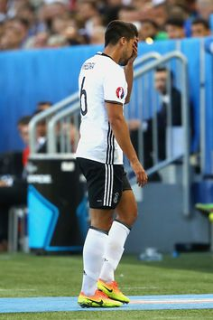 #EURO2016 Injured Sami Khedira of Germany walks off the pitch after being replaced during the UEFA EURO 2016 quarter final match between Germany and Italy at...