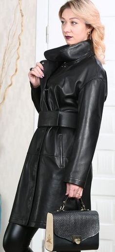 Topshop Outfit, Style Magazin, Coats For Women, Clothes For Women, Belted Coat, Fashion Essentials, Rain Wear, Timeless Fashion, Vegan Leather