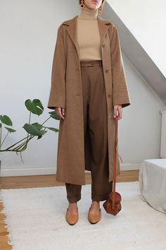 pinterest @yamtrill Autumn Look, Camel Coat Outfit, Beige Outfit, Look Fashion, Korean Fashion, Autumn Fashion, Classy Fashion, Modest Fashion, Fashion Outfits