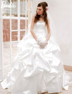 Barbie BRIDAL(バ-ビ-ブライダル)   カテゴリ   ウエディングドレス レンタルの愛ロイヤルウエディングトップ Beautiful Wedding Gowns, Beautiful Bride, Beautiful Dresses, 1980s Wedding Dress, Bridal Wedding Dresses, Barbie Gowns, Barbie Dress, Barbie Bridal, Ball Gowns