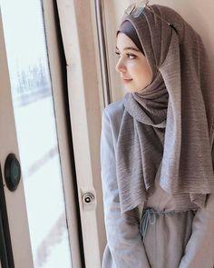 ideas clothes winter hijab sweaters for 2019 Arab Girls Hijab, Girl Hijab, Muslim Girls, Muslim Couples, Hijab Outfit, Hijab Style Dress, Hijab Fashionista, Modern Hijab Fashion, Muslim Fashion