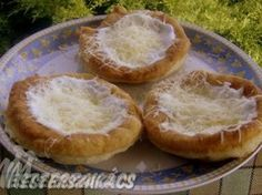 Kefires, hűtős lángos recept Kefir, Camembert Cheese, Food And Drink, Dairy, Pie, Desserts, Kitchen, Pinkie Pie, Tailgate Desserts