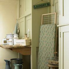 Wirtschaftsraum Abstellraum Wohnideen Möbel Dekoration Decoration Living  Idea Interiors Home Storeroom Utility Room   Traditionelle Grüne