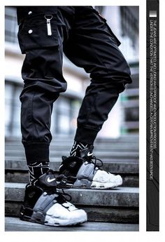 Trendy Sneakers Running. There are several fundamental principles in fashion that may help save nerves and spare you your self-esteem when you find yourself looking for a brand new wardrobe. Moda Cyberpunk, Cyberpunk Fashion, Stylish Mens Outfits, Cool Outfits, Urban Fashion, Mens Fashion, Fashion Tips, Fashion Vest, Future Fashion