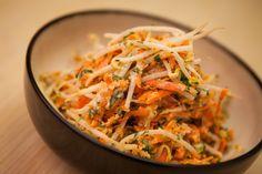 Salade de fèves germées et carottes râpées   Zeste Une belle idée pour utiliser notre carotte rapée!