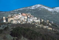 Google Image Result for http://turismo.inabruzzo.it/wp-content/uploads/2010/06/scontrone.jpg