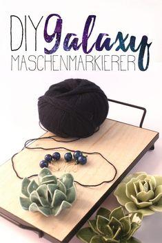 DIY Galaxy Maschenmarkierer Der Arm, Day, Blog, Decor, Small Trailer, Knitting Needles, Glass Beads, Breien, Decoration