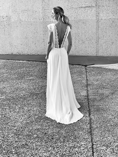 CHARLY A. - Robe Léana - Marie Laporte Marie Laporte, Formal Dresses, Wedding Dresses, Fashion, Modern Wedding Dresses, Bride Gowns, Wedding Gowns, Moda, Formal Gowns