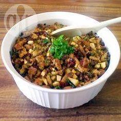 Farce à la saucisse, aux pommes et aux canneberges @ qc.allrecipes.ca
