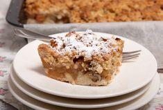 Appelkruimelkoek van het bakblik Dutch Recipes, Vegan Recipes Easy, Beignets, Cake Cookies, Cupcake Cakes, Apple Streusel Cake, Sweet Bakery, Apple Desserts, Bakery Cakes