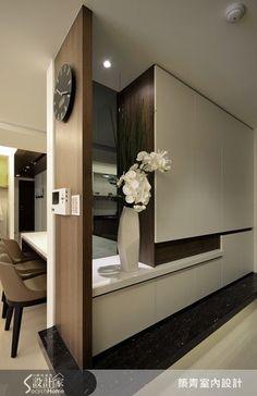 Dekor polcelem a falba építve Simple & stylish Latest Cupboard Designs, Bedroom Cupboard Designs, Wardrobe Design Bedroom, Interior Walls, Best Interior, Interior Design, Foyer Design, House Design, Shoe Cabinet Design