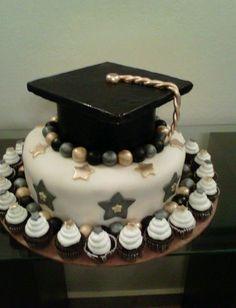 Graduation cake - in blue and gold! Ouma