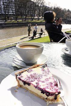 Café Art in Turku, Finland. | qandvictoria.wordpress.com