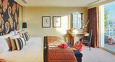 Wyndham Hotel room.  London.