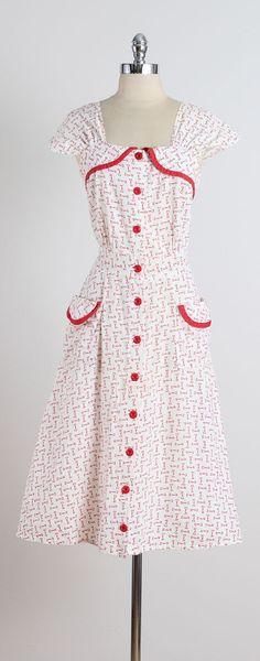 Unlock My Heart . vintage 1940s dress . by millstreetvintage
