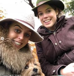 New photo of Their Royal Highnesses, Princesses Beatrice and Eugenie of York share by their mother, Sarah, Duchess of York. Duchess Of York, Duke Of York, Princess Eugenie And Beatrice, Princess Diana, Windsor, Eugenie Of York, Norfolk Terrier, Sarah Ferguson, Dog Died