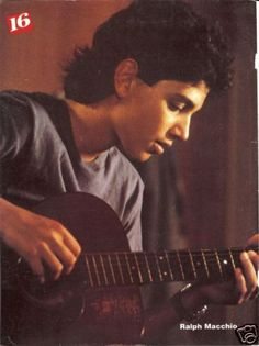 Ralph playing the guitar! The Karate Kid 1984, Karate Kid Cobra Kai, Pretty Boys, Cute Boys, The Outsiders Johnny, Ralph Macchio The Outsiders, Young Actors, Cute Actors, Cute Celebrities