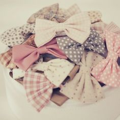 bows. ♡