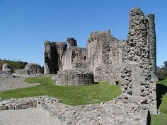Kildrummy Castle - Christina Bruce Lady of Gairloch 1278 - 1357 Donald Stewart 8th Earl of Mar. He was the son of Gartnait, 7th Earl of Mar and Lady Christina Bruce, and nephew of Robert the Bruce