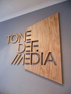59 ideas wood logo design signage for 2019 Web Banner Design, Web Design, Design Art, Design Studio, Modern Design, Environmental Graphic Design, Environmental Graphics, Wayfinding Signage, Signage Design