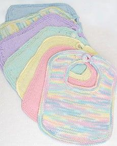 Follow this free knit pattern to create bibs and booties using Bernat Handicrafter Cotton big ball worsted weight yarn.