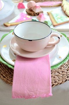 Cup & saucer place s