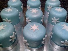 Mini christmas cakes by eloise cupcakes, via Flickr