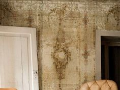 Papier peint aspect mur BORGIA By Wall&decò design Christian Benini Embossed Wallpaper, Textured Wallpaper, Wall Wallpaper, Bedroom Ceiling, Contemporary Wallpaper, Fence Design, Florida Home, Mural Art, Texture Design
