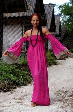 Summer's Back! Soft & Elegant Handmade Maxi Dress One Size Kimono Sleeve Indonesia Pure Rayon Red Fucsia Tie Dye Abito Donna Taglia Unica di BeHappieWorld su Etsy