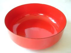 straight sided bowl (ooh what a color!)