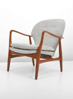 Bjarne Madsen and Hans Thyge Schubell; #B-21-1 Teak Lounge Chair for George Tanie, 1950s.