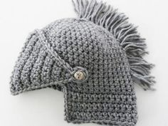 Crocheted Knight's Helmet | MeWanty.net