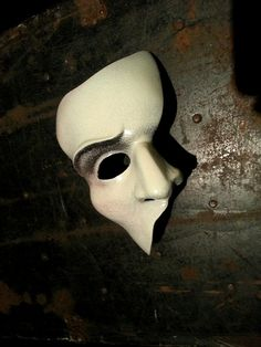 Phantom of the Opera Broadway Style Mask. Love the contours painted on