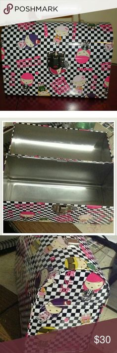 HARAJUKU GIRL MAKEUP CASE/LUNCH BOX I just got this with the purchase of 3 perfu... Harajuku Fashion ?  #box #CASELUNCH #girl #Harajuku #Makeup #perfu #purchase #harajuku #fashion #women #japanese