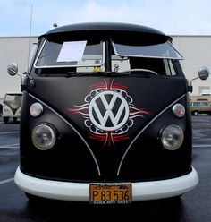 VW B Volkswagen Group, Volkswagen Bus, Vw Camper, Vw Classic, Combi Vw, Top Luxury Cars, Cool Vans, Busse, Cute Cars