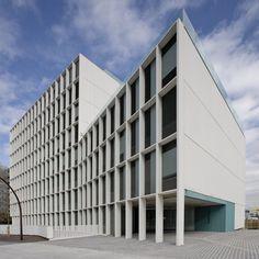 Galería de Edificio UPC / Battle i Roig - 5