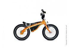 Маленьким детям велосипед нужен, в первую очередь для того, чтобы улучшить их физическое развитие, навыки моторики и разнообразить досуг. Именно поэтому очень важно подобрать такую модель велосипеда, которая будет идеально подходить Вашему ребенку. Стоит обратить внимание не только на его внешнюю привлекательность, но и на качество материалов, эргономику, безопасность. Детский велосипед-беговел Kidsbike от «BMW» сочетает в себе все эти характеристики.