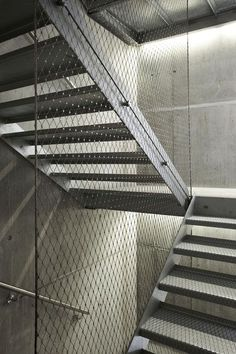 Webnet Balustrade - Very cool. Staircase Railings, Staircase Design, Stairways, Stair Design, Architecture Details, Interior Architecture, Stair Elevator, Steel Stairs, Stair Detail