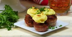 Bacon Wrapped Meatloaf Cupcakes Are Heavenly Bite-Sized Morsels You Have To Try - Shared Meat Sauce Recipes, Easy Meat Recipes, Ground Beef Recipes, Cooking Recipes, Meatloaf Recipes, Ww Recipes, Chili Recipes, Recipies, Dinner Recipes