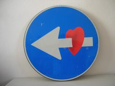 Livorno, in vendita su Ebay i cartelli stradali di Clet